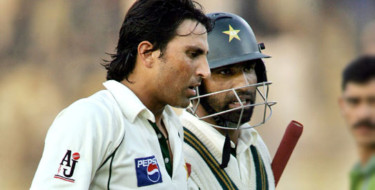 Younis Khan meets Ijaz Butt, returns to national squad