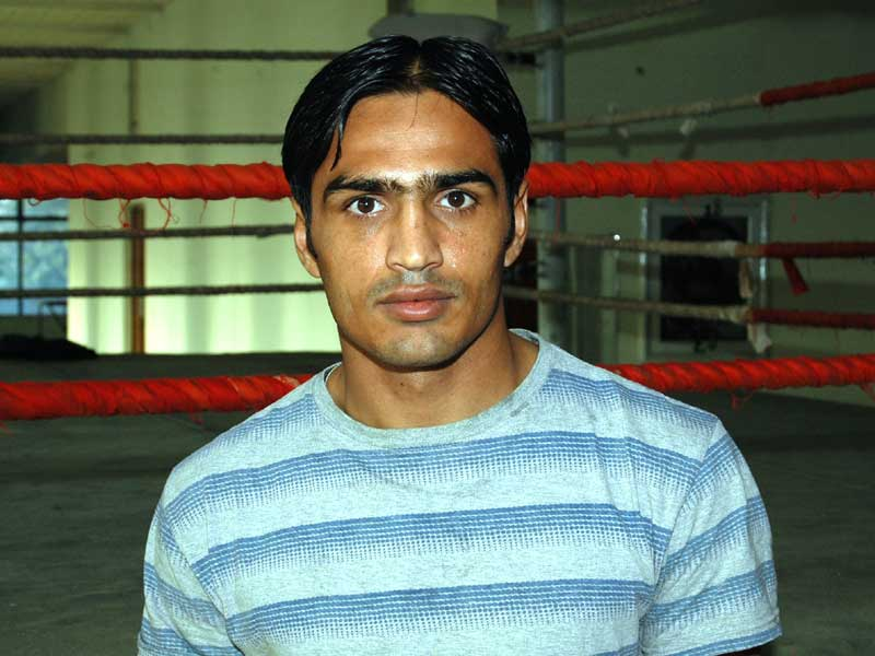 Nawaz Dad (60kg)<br /> <strong>DOB:</strong> 05/08/1985, Khanewal<br /> <strong>How it all started:</strong> I started at the age of 18 from the Five Star Ghazi Boxing Club. My father was into boxing and wanted one of his two sons to be a boxer. So you can say it's a family thing.<br /> <strong>Training and diet:</strong> 5-6 hours a day. I eat mostly chicken, it keeps the weight off. Sadly, there are a lot of things we can?t eat.<br /> <strong>Favourite boxer:</strong> Prince Naseem and of course Mohammad Ali<br /