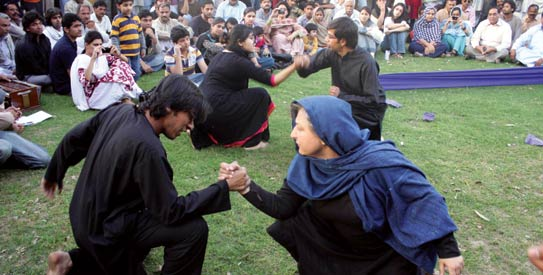 Reviving the old tradition of Nukar Theatre, the play portrayed Bhagat Singh's struggle against British imperialism. - File Photo