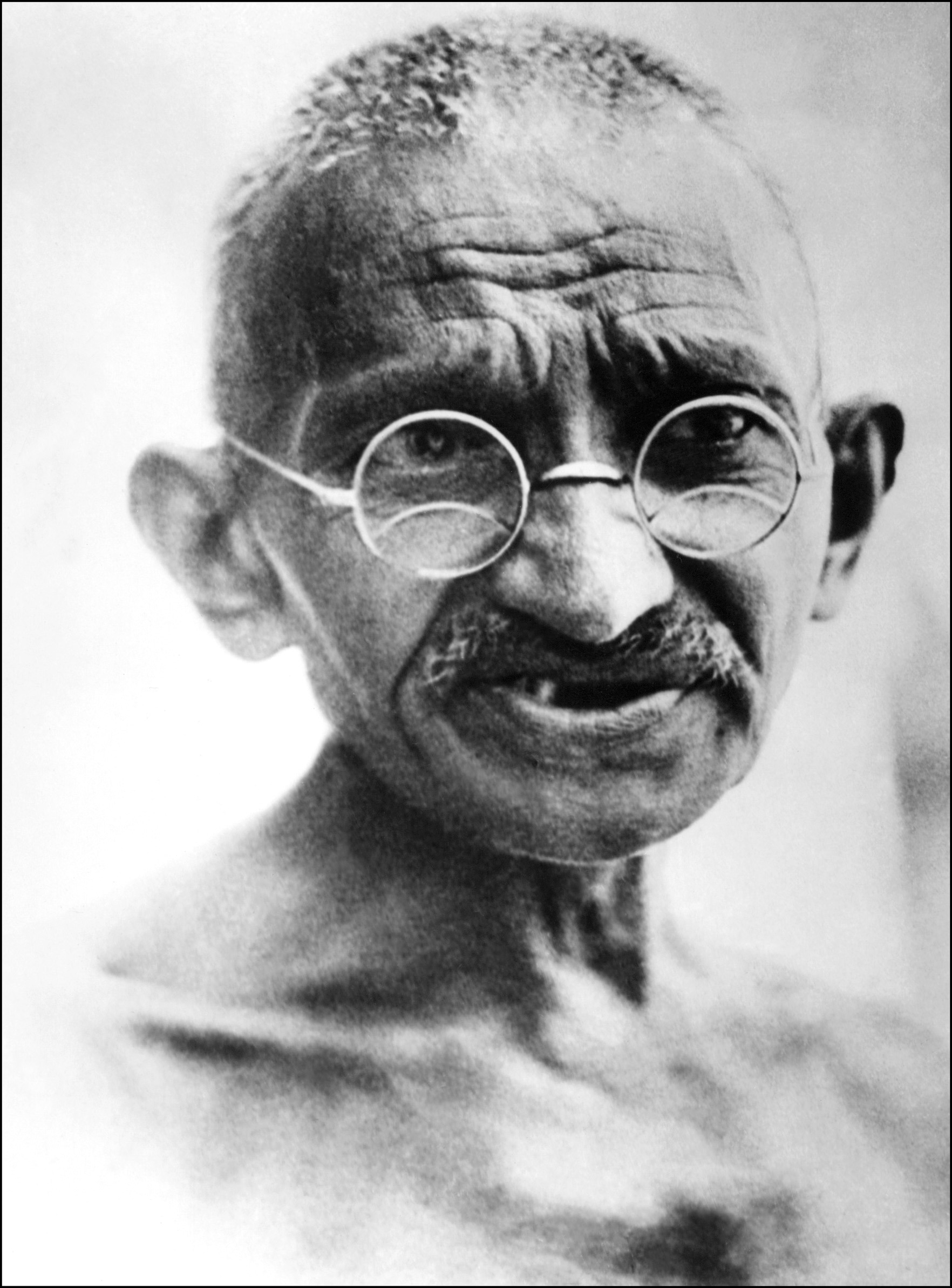 US author fights back in Gandhi 'gay lover' row - World