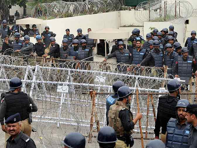 Activists across Pakistan protest Davis' release - DAWN COM