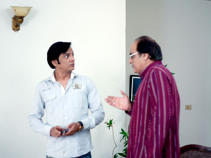Nabeel: ?Bulbulay is a very old idea, which for the longest time I couldn?t manage to work on. Last year, when I set up my own company, I spoke to Ali Imran (the writer) and Raana Rizwan (the director) about it. It was then that we decided to work on the idea and the script which had been lying around for 5 years. When we started, we had no idea that it would click so well with the audiences and would become so popular.?