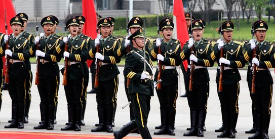 China gives foreign media rare look at elite military unit