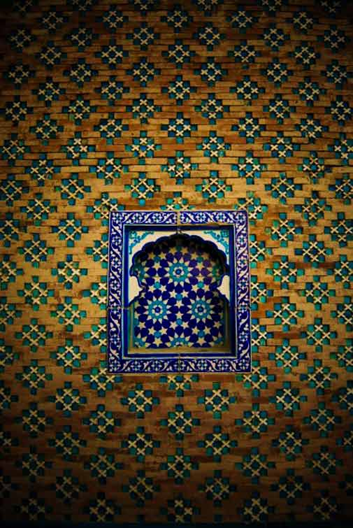 Detail of a Shrine in Uch Sharif - Photo by Humayun M | 18% grey