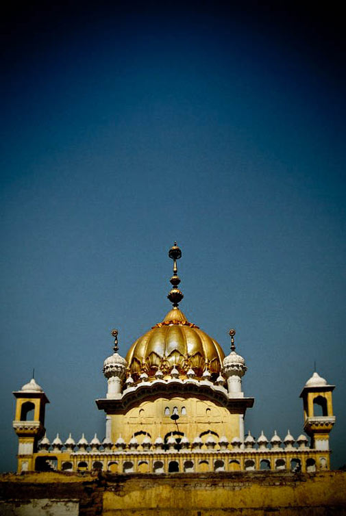 Golden Dome of Sikh Gurdwara - Lahore - Photo by Humayun M | 18% grey