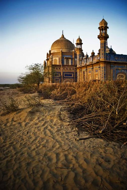 Abbassi Family Tombs - Cholistan - Photo by Humayun M | 18% grey