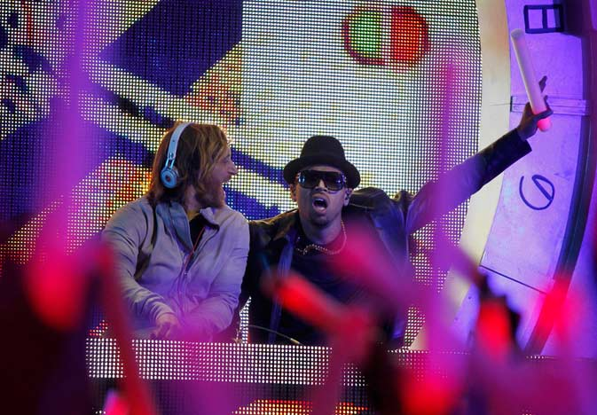 "David Guetta and Chris Brown perform ""I Can Only Imagine"". ? Reuters Photo"