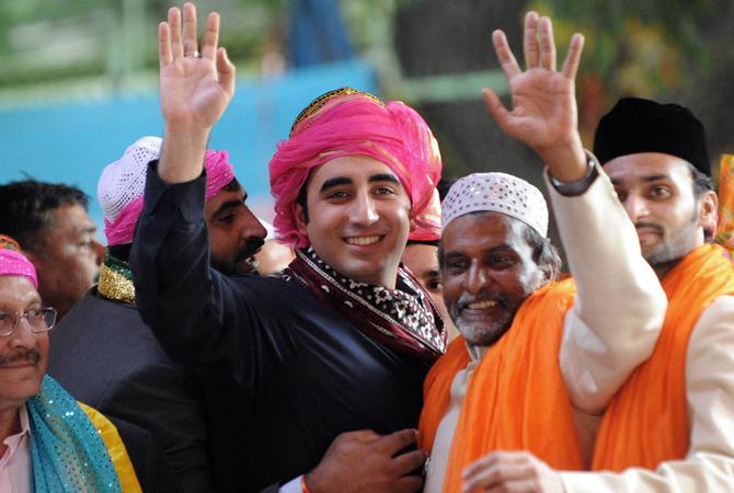 Baliwal (L), son of Pakistan's President Asif Ali Zardari (L) waves as he leaves the renowned 13th century shrine of Sufi saint Khwaja Moninuddin Chisti. ? AFP Photo