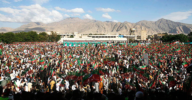 Imran-Khan-Rally-Quetta-670