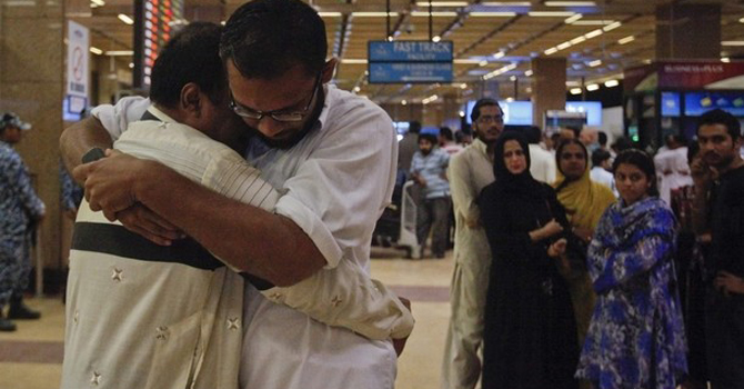 relatives-of-the-bhoja-air-crash-victims-consoling-each-other