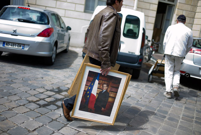 Removing the last of Sarkozy from Elysee Palace