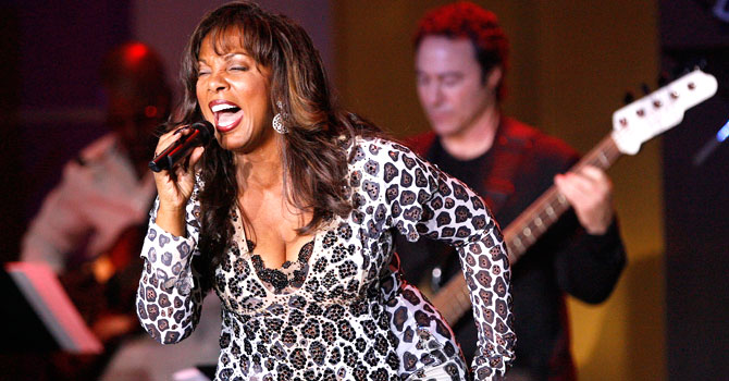 Donna Summer performs with Earth, Wind and Fire during the 13th annual Race to Erase MS gala in Century City, California on April 13, 2007. Summer died on May 17, 2012 at age 63 after a battle with cancer. – File photo by AFP