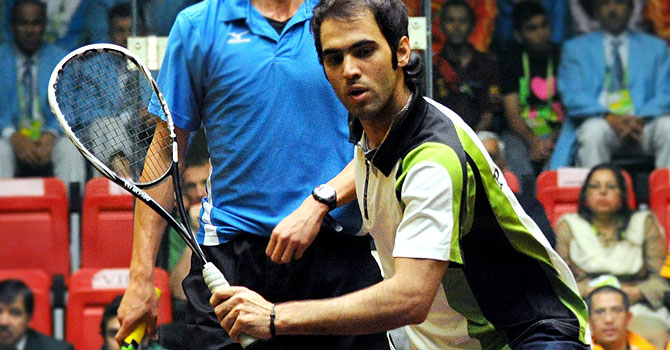 Mehboob won his crucial second match against India's number one player Saurav Ghosal to ensure a final win for Pakistan.