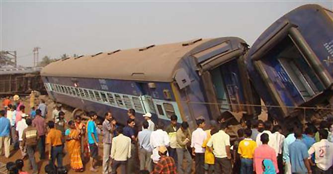 india-train-accident-reuters-670