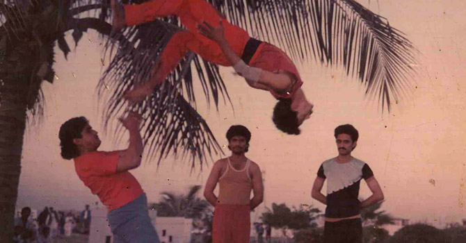 Jannat Gul performing a flip at the Dolphin Park (now Benazir Park) Boat Basin - Photo courtesy Jannat Gul