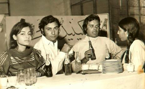 Part of the cast and crew of PTV's 1970 play, 'Shazori,' at a reception given in their honour by Canada Dry beverages company.