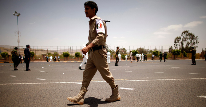 Yemen-Suicideattack-army-ap-670