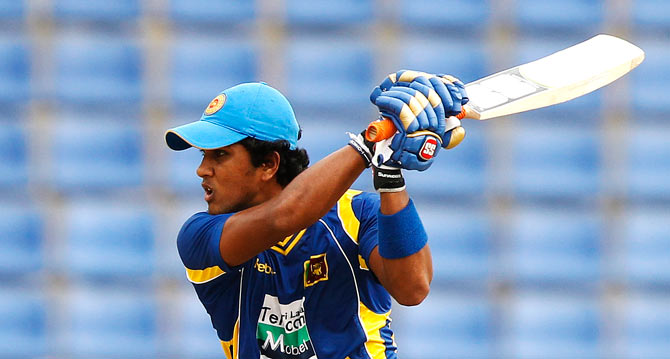 Dinesh Chandimal provided support to Tilikaratne Dilshan. ? Photo by Reuters