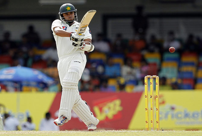 Azhar was content to play second fiddle at the other end, scoring just six fours, as the second-wicket pair laid the foundation for a big first innings total.