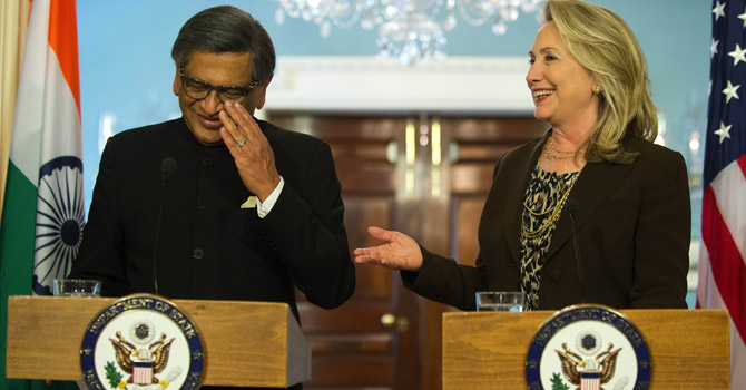 Clinton-Krishna-afp-670