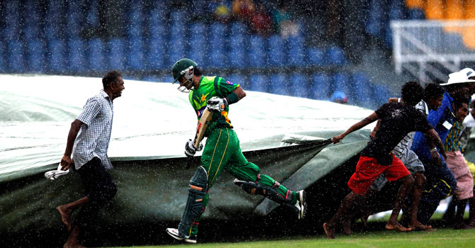 Only 38 deliveries were bowled in the third ODI at R. Premadasa Stadium on Wednesday, following intermittent rain. – Photo by Reuters