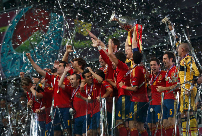 Spain's Iker Casillas lifts up the trophy after defeating Italy to win the Euro 2012. ? Photo by Reuters