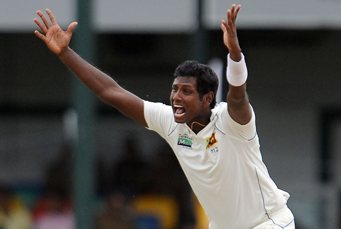 Sri Lankan Angelo Mathews makes an unsuccessful appeal for wicket during the second day of the second Test match between Sri Lanka and Pakistan at the Sinhalese Sports Club (SSC) in Colombo on July 1, 2012. ? Photo AFP