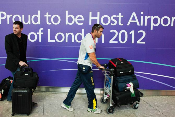 Athletes of the Ecuador Olympic Team arrive at Heathrow Airport in London on July 24, 2012, three days ahead of the official opening of the London 2012 Olympic Games. The 2012 Olympic Games will be held from July 27 to August 12 in London. Photo by AFP