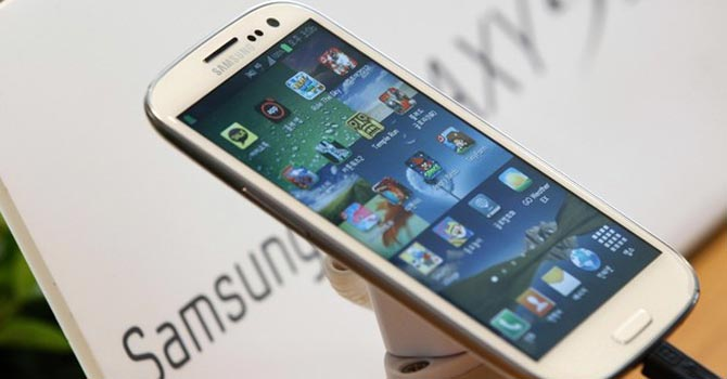 Samsung Electronics' new Galaxy S III smartphone — Reuters Photo