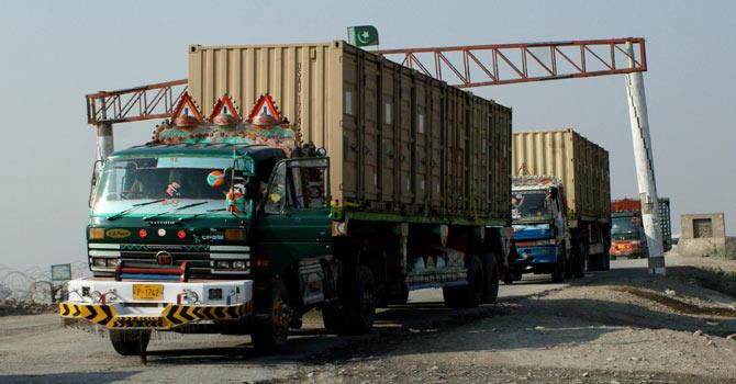 nato_trucks_AP_670