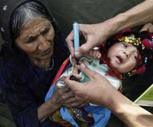 Taliban polio ban puts 240,000 Pakistani children at risk