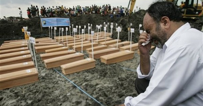 Qurban Ali of Pakistan, whose son was among those who died after a ship carrying asylum seekers sank off Java island.—AP Photo