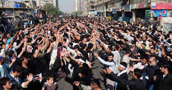 Firing causes panic in Karachi Youm-e-Ali procession