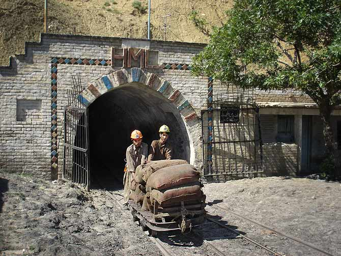 Currently there are many small and large coal mines in Balochistan. This is the main entrance of a mine located on the Quetta-Sibi highway, 28 kilometers from the provincial capital.