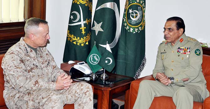 "This handout photograph released by Pakistan's Inter Services Public Relations (ISPR) office on August 2, 2012, shows Pakistan's army chief General Ashfaq Kayani (R) as he speaks with US commander in Afghanistan, General John Allen during a meeting at General Headquarters Rawalpindi. The US commander in Afghanistan held talks in Pakistan for the first time since Islamabad ended a seven-month blockade on NATO supplies destined for the 10-year war effort.   AFP PHOTO / HO / INTER SERVICES PUBLIC RELATIONS         -----EDITORS NOTE---- RESTRICTED TO EDITORIAL USE MANDATORY CREDIT ""AFP PHOTO / HO / INTER SERVICES PUBLIC RELATIONS"" ---- NO MARKETING NO ADVERTISING CAMPAIGNS - DISTRIBUTED AS A S"