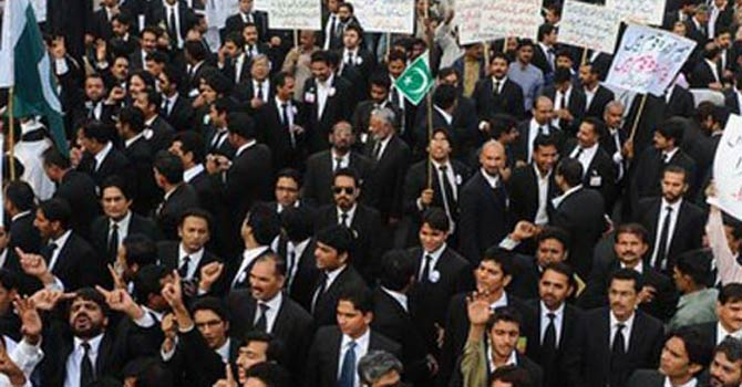 lawyers-protest-670