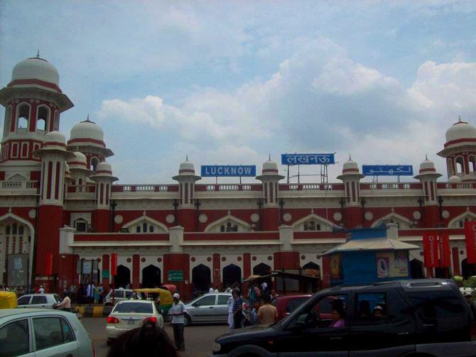 Constructed in 1914, the Charbagh railway station marks Lucknow's entrance. It is said that four gardens existed at the present location during the time of the Nawabs of Lucknow.
