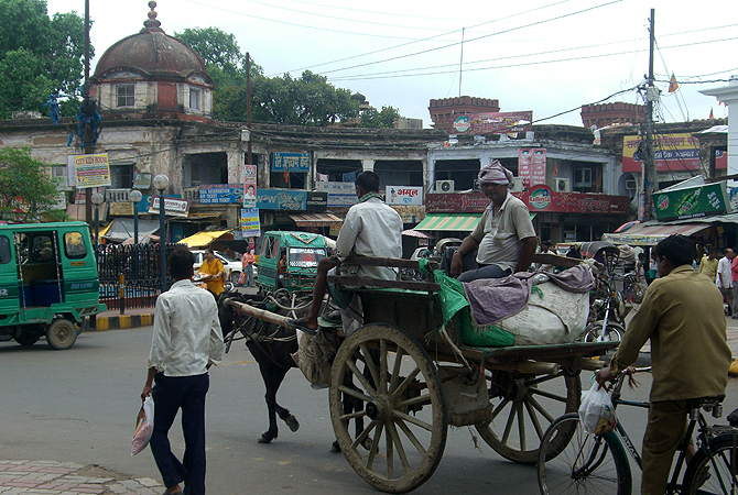 A busy morning at Lucknow's ?chowk?.