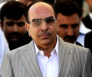 Malik Riaz indicted for contempt of court