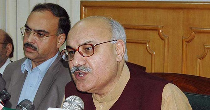 Khyber Pakhtunkhwa Information Minister Mian Iftikhar Hussain — File Photo