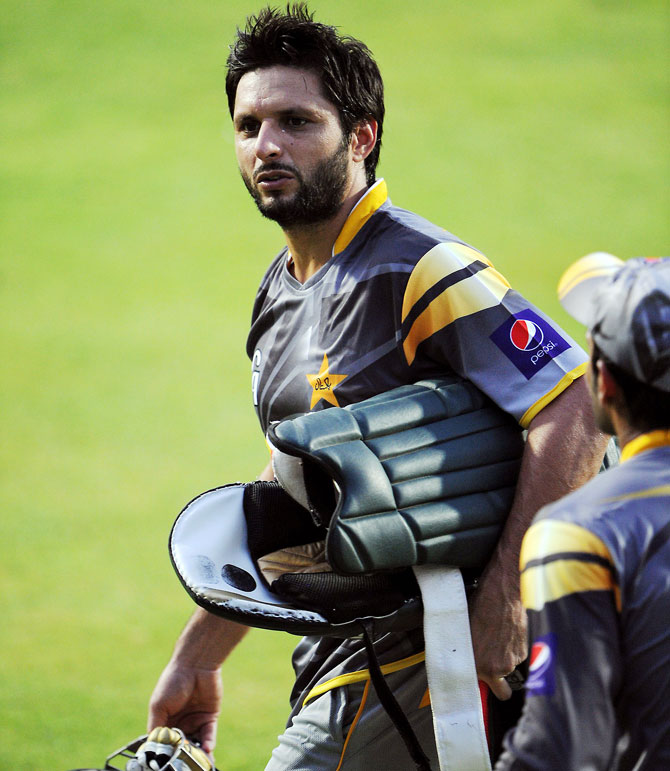 Australia are bracing for Pakistan's successful spin trio led by Saeed Ajmal and backed up by Shahid Afridi and Mohammad Hafeez.