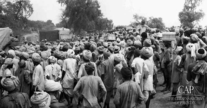 Refugees cross borders during the August 1947 partition. – File photo courtesy Citizens Archive of Pakistan