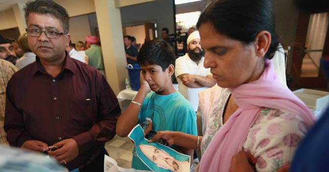 US-sikh-Temple-attack-AFP-670