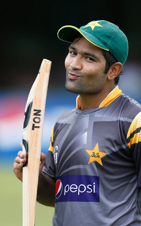 Pakistan's Asad Shafiq kisses his bat during a practice session ahead of their ICC Twenty20 Cricket World Cup. ? Photo by AP