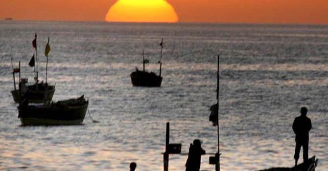 Fishing boat capsizes off Karachi; 11 bodies recovered