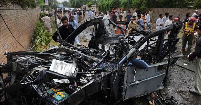 Bomb-blast-Peshawar-3-spet-2012-AFP-670x350