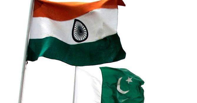 PakistanIndiaFlagsRE-670