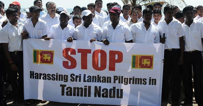 Sri-Lankans-protest-AFP-670