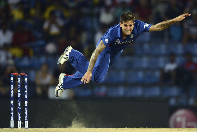 England's Jade Dernbach bowls during the Twenty20 World Cup Super 8 cricket match against the West Indies at Pallekele, Sri Lanka September 27, 2012.