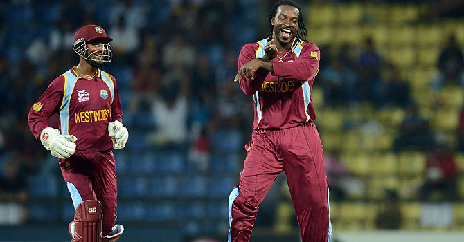 "Chris Gayle, ""Gangnam Style"", Park Jae-Sang, Darren Sammy, Gangnam Gayle dances down wicket at T20"